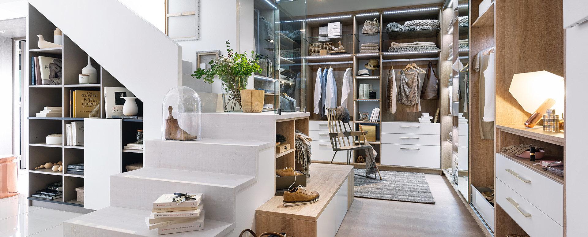 Bilde Garderobe lyst moderne eiketre med skreddersydde