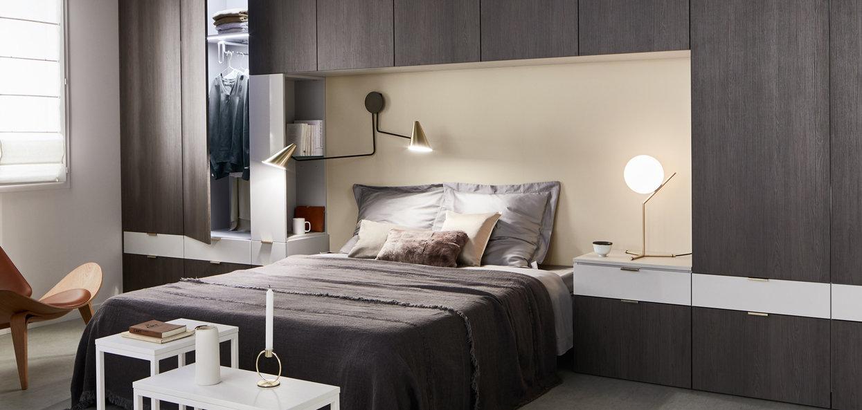 Bilde Soverom med garderobe melaminert grå eik og matt tinngrå