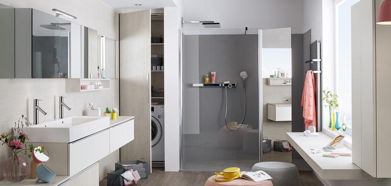 Bilde Familiebaderom, hvit, betong og grå design