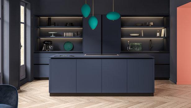 Bilde moderne kjøkken med blå øyløsning