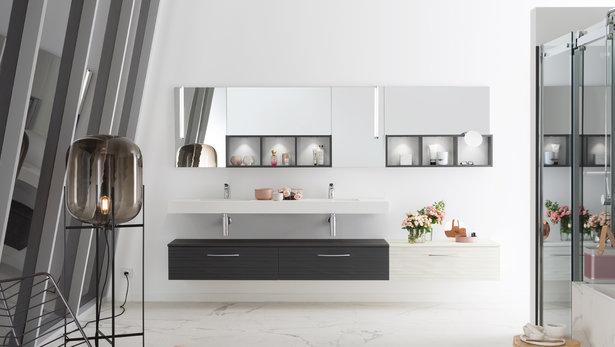 Bilde Baderom med marmor design, sort og hvit designstil